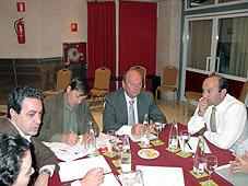 El pasado 20 de noviembre se acordó la suscripción colectiva de COVEPRES a Gaceta de Prensa. En la imagen Fernando Martín, Juan Vicioso, Presidente de COVEPRES; Antonio de la Rosa y Luis Felipe Carrión, de Jerez