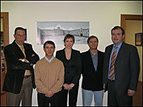 """Alberto Estella, Coordinador Plaza Mayor 2005, Jesús Gzlez, Pte.  de la  Asociación , Mª Elsa Rico, José Paniagua Melón, Junta Directiva de la """"ASVP"""" y  J. R Glez. (Consulproyect)"""