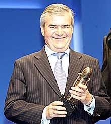 José María Bergareche Consejero Delegado del Grupo Vocento, recibió el Microfono de Oro por la creación de Punto Radio