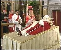Las cadenas están pagando cifras millonarias por sus emplazamientos en el Vaticano