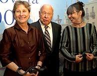 Polanco fue el encargado de entregar este premio a Wolf y Montes