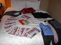 Unos cuantos ejemplares de Gaceta de Prensa, folletos de la máquina Kiosco24, dos trajes y mucha ilusión y voluntad, el equipaje hacia Las Vegas...