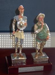 El Premio otorgado a Gaceta de Prensa es una réplica de Quijote y Sancho, basada en el IV Centenario de El Quijote, que se celebra este año