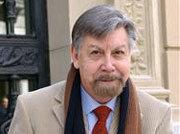 El jurado ha destacado su cultura humanística y su tono crítico