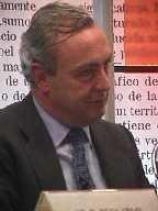 Nemesio Fernández Cuesta, nuevo presidente de AEDE, contrario a las promociones en los periódicos, que inciden en su banalización
