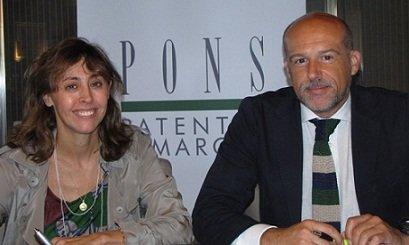 Paloma Fernández Navas directora general de PONS y Jacobo Díaz Pineda el presidente de  la PTC en la firma