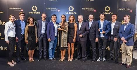 Huawei y Vodafone Espa�a presentan en exclusiva Huawei P9 Plus en su edici�n Gold