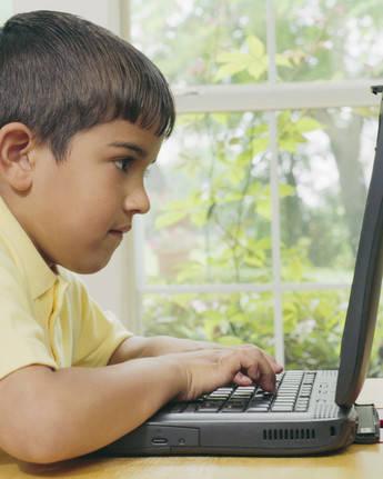 Los niños gallegos están a la cabeza en el uso de internet lejos de la supervisión paterna